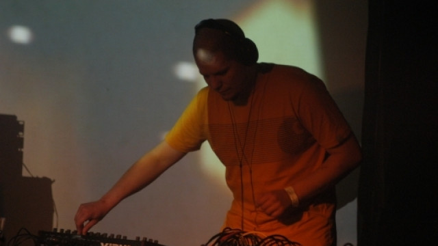 Shri Live Project (UK), DJ Badmarsh (UK), Marcel feat. Sena, Bergi