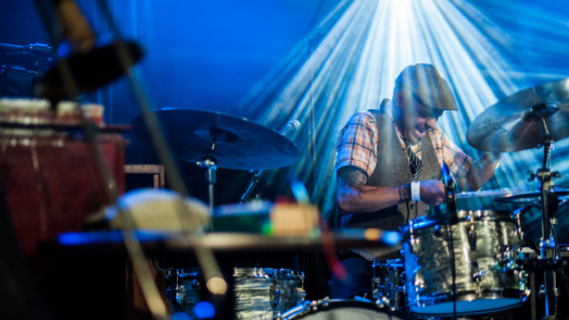 Timo Lassy Band (FI), Ravish Momin's Tarana (US)