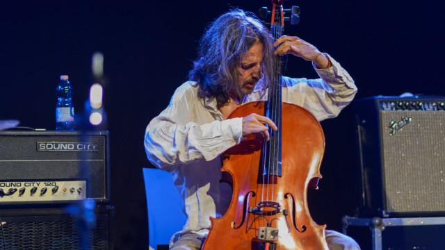 Rodrigo Amado Motion Trio (PT), Jü