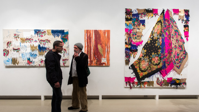 Ádám Zoltán Cigány minták című kiállításának megnyitója
