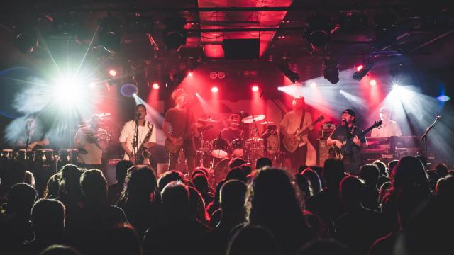 SOJA (US), Sena (live band)