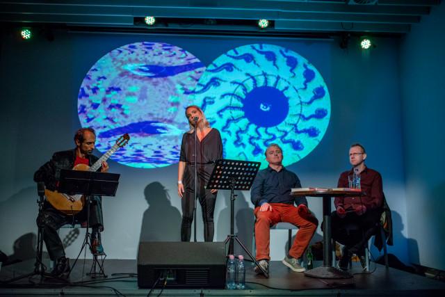 Kortárs szerzők zenei kísérettel – Lackfi János