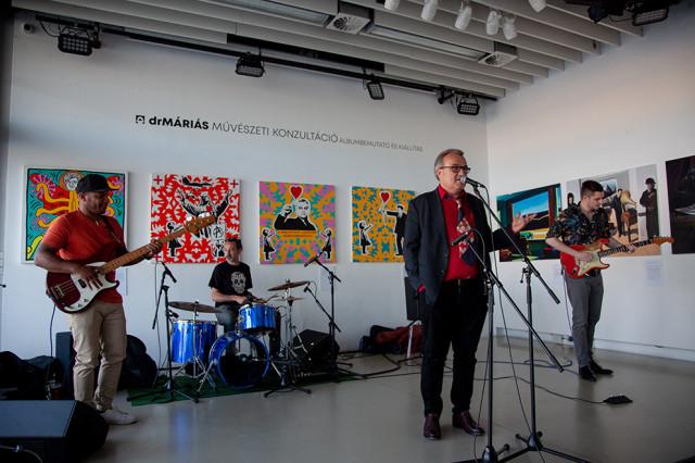 drMáriás: Művészeti konzultáció albumbemutató és kiállítás